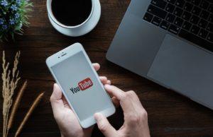 Aunque la principal ventaja de YouTube es que permite difundir tus vídeos a un gran público, si sólo quieres almacenamiento gratuito puedes hacerlos privados.