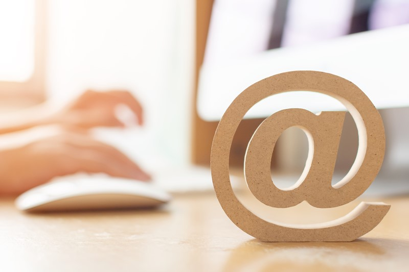 Herramienta para crear y enviar boletines personalizados por correo
